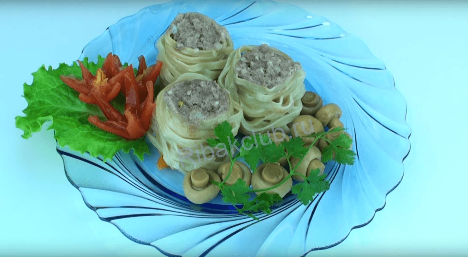 Салангани с грибами и форелью