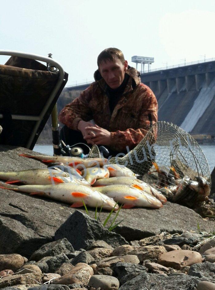 Удочка самоподсекающая. На рыбалке очень важно не пропустить момент поклёвки.