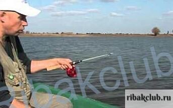 -удочка-для-ловли-летом Ловля рыбы. Летняя рыбалка на зимнюю удочку.